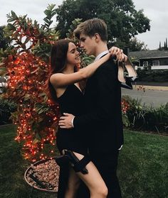 Bailee Madison and Alex Lange More couplegoals at: MissMind Cute Couples Goals, Couples In Love, Romantic Couples, Photo Couple, Love Couple, Cute Relationship Goals, Cute Relationships, Boyfriend Goals, Future Boyfriend