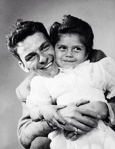 Frank Sinatra with his daughter Nancy.