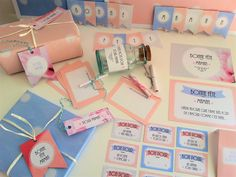 """Kit complet à imprimer """"Bonne Fête Maman"""" dans des tons poudrés. Petite banderole """"Bonne fête maman"""" comprise aussi dans le kit. Retrouvez le kit sur www.tetedecoucou.com"""