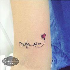 Tatuagem delicada para homenagear os pais