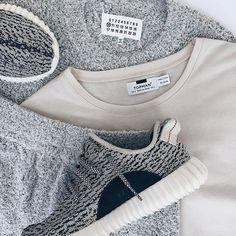 "Today's #OutfitToss by @nciktna featuring: @MaisonMargiela Bouclé Sweater @Topman Tee @MaisonMargiela Bouclé Shorts @AdidasOriginals Yeezy Boost 350 ""Turtle Dove"" by outfittoss #SoleInsider"