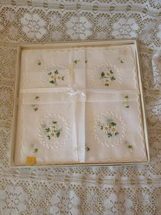 Vintage Handkerchief Handkerchiefs Daisies Wedding Handkerchief Something Old by couturecafe on Etsy