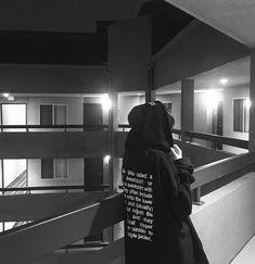 The description of a hoodie/sweatshirt is on the back Aesthetic Grunge, Aesthetic Photo, Aesthetic Girl, Girl Photo Poses, Girl Photos, Korean Girl, Asian Girl, Tumbrl Girls, Boyish Girl
