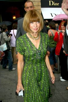 Anna Wintour Photos Photos - Designers and celebs attend the Valentino Haute Couture fall/winter 2008-2009 fashion show in Paris. - Hot Valentino Fashion: Part II