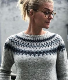 Ravelry: Sirius pattern by Camilla Vad Great stuff for knitting found on Ravelry Nordic Sweater, Icelandic Sweaters, Fair Isles, Fair Isle Pattern, Fair Isle Knitting, Sweater Knitting Patterns, Knit Picks, Mode Inspiration, Sweaters For Women