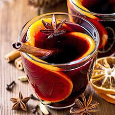 Get our best recipes for Thanksgiving cocktails and drinks featuring cranberries, apples, pumpkin, and more. You can easily whip up these Thanksgiving cocktails in a big batch for large families or a big crowd. Easy Drink Recipes, Yummy Drinks, Healthy Recipes, Easy Cocktails, Classic Cocktails, Thanksgiving Cocktails, Holiday Cocktails, Mulled Wine, Dinners For Kids