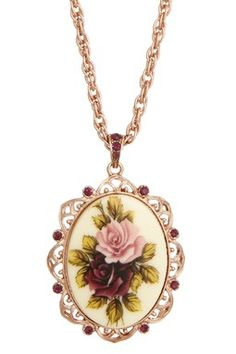 I love vintage-inspired pendant necklaces.  Reminds me of my Great Grandmother.