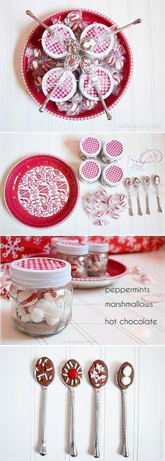 Mini Mason Jar Hot Cocoa Gift Idea. Full Step-by-Step Tutorial. Sweet gift idea for neighbors, friends and teachers.