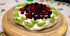 The BEST and EASIEST pavlova ever. @4 Ingredients