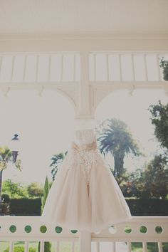 Love the short dress idea! Especially for an outside wedding! [no dragging on the grass]