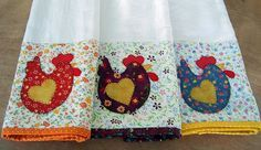 Great dish towels with chicken appliqué. Para alegrar...