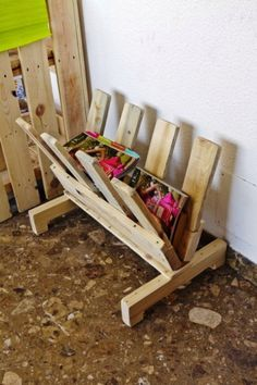 Revistero en V, muebles con pallets de Probosc