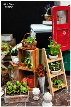 Mini Green Miniature mobile store