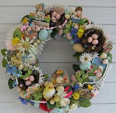 Easter wreath vintage spring/Easter decorations recycled into a wreath. Now that I've made a couple Christmas ones, wonder if I can find vintage pieces for an Easter wreath? Spring Crafts, Holiday Crafts, Diy Ostern, Easter Celebration, Wreath Crafts, Vintage Easter, Easter Wreaths, Easter Crafts, Easter Ideas
