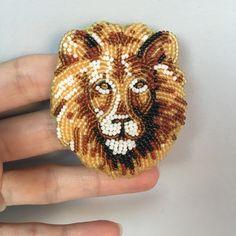 Приветствую всех! Вы спрашиваете меня, будут ли снегири? Будут обязательно))👌🏻. А у меня снова царь, просто царь👑 #лев#ручнаяработа#левизбисера#handmade#lion#lionking