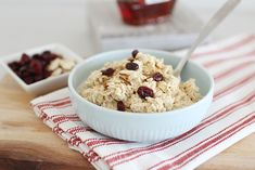 How to Make Basic Overnight Oats - Super Healthy Kids Basic Overnight Oats Recipe, Overnight Oatmeal, Dried Raisins, Dried Apples, Healthy Food Options, Healthy Meals, Healthy Recipes, Oatmeal Toppings, Super Healthy Kids