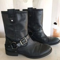I just discovered this while shopping on Poshmark: Gianni Bini genuine leather…