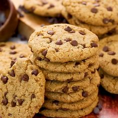 Easiest Chocolate Chip Cookie recipe is a simple chocolate chip cookie recipe that makes quick and easy homemade chocolate chip cookies - no mixer necessary, no chilling needed. Triple Chocolate Chip Cookies, Chocolate Cookie Recipes, Easy Cookie Recipes, Dessert Recipes, Flour Recipes, Brownie Recipes, Chocolate Chips, Almond Chocolate, Homemade Chocolate