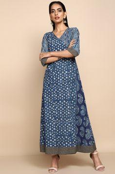 mul angrakha & trousers - pastel pink & jasmine - maati crafts Yellow Dress, Gray Dress, Pink Jasmine, Kurta With Pants, Pink Fashion, Women's Fashion, Indian Designer Outfits, Indian Attire, Slit Dress