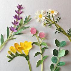 New Craft Paper Flowers Diy Pom Poms Ideas 3d Paper Art, Paper Artwork, Paper Craft, Paper Plants, Paper Flowers Diy, Craft Flowers, Paper Flower Garlands, New Crafts, Kirigami