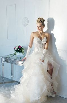 12c13061b68 Italian wedding dress. Italian Wedding Dresses