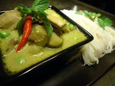 Green Curry with Rice Noodle