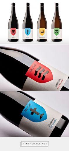 Mustilli Wine -  Packaging of the World - Creative Package Design Gallery - http://www.packagingoftheworld.com/2016/05/mustilli-wine.html