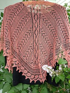 Remembering Edna - lovely free shawl pattern