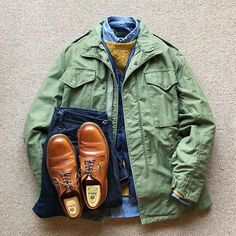 ↓ Vintage U.Army Field Jacket Grey Liner Six Month Down Shaggy Dog Sweater Chambray BD-Shirt Indigo Denim Trousers Plain Toe Blucher Oxford ↓ Heutiges Outfit, Outfit Grid, Rugged Style, Mature Mens Fashion, Men Fashion, Stylish Men, Men Casual, M65 Jacket, Jeans Azul