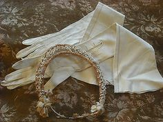ANTIQUE CROWN FLOWER WAX AND LONG GLOVES SET