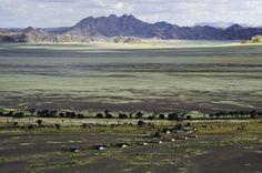 Team building photographic safari in the Namib Desert in Namibia. image: Wilderness