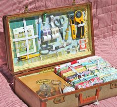 10 Brilliant Projects to Upcycle Leftover Fabric Scraps - Nedette Sewing Case, Sewing Box, Sewing Kits, Sewing Patterns Free, Free Sewing, Vintage Suitcases, Sewing Baskets, Leftover Fabric, Train Case