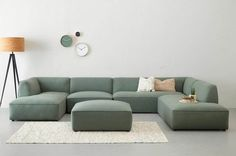 Useful and classy: the modular couch - institution . - Cottage home decor Living Room Sofa, Home Living Room, Living Room Decor, Home Room Design, Living Room Designs, Modular Couch, Wooden Sofa Designs, Diy Bed Frame, Piece A Vivre