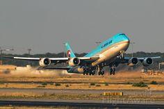 Photo of Boeing - FlightAware Boeing 747 8, Boeing Aircraft, Airbus A380, Korean Air, Aircraft Design, Quad, Aviation, Airports, Buses