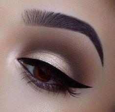 Neutral eyeshadow - Make Up - Eye Makeup Natural Eye Makeup, Smokey Eye Makeup, Eyeshadow Makeup, Makeup Brushes, Makeup Remover, Green Eyeliner, Makeup Eraser, Green Eyeshadow, Maquillage Yeux Cut Crease
