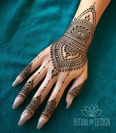Online shopping for Hennas - Styling from a great selection at Beauty Store. Henna Hand Designs, Eid Mehndi Designs, Pretty Henna Designs, Indian Henna Designs, Mehndi Design Photos, Henna Tattoo Designs, Henna Tattoo Hand, Henna Body Art, Henna Mehndi