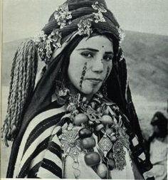 Tatouage Berbère, tatouages et culture Berbère, Amazigh, modèle tattoo Kabyle | www.TattoO-Tatouages.com