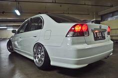 Honda Civic 7th gen (ES) - StanceWorks