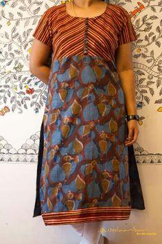 Nb Salwar Neck Patterns, Salwar Neck Designs, New Kurti Designs, Blouse Designs, Dress Designs, Cotton Dress Indian, Indian Dresses, Cotton Dresses, Classy Yet Trendy
