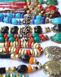 Ethnic accessories are gorgeous! We completely love the neck pieces from Connaught Place New Delhi! Go check them out. They're available in different colours and designs and are very reasonable too! #styledotme #instantfashionadvice #bloggers #trendingnow #style #stylista #letsdriveouttheconfusion #wearwhatyoulove #stylegram #fashiongram #waystostyle #lovefashion #loveforfashion #lookyourbest #forever21 #dottingforever #igdaily
