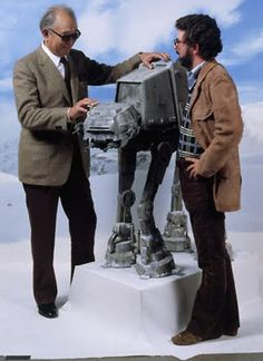 Akira Kurosowa and George Lucas from the set of Star Wars The Empire Strikes Back Star Wars Film, Star Wars Art, Star Trek, Images Star Wars, Star Wars Pictures, Martin Scorsese, Alfred Hitchcock, Stanley Kubrick, Maquette Star Wars