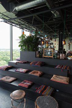 Rooftop Monkey Bar Zoo, Charlottenburg … - Hotel and Holiday Guide Restaurant Design, Restaurant Bar, Restaurant Seating, Modern Restaurant, Café Design, Deco Design, Design Ideas, Café Bar, Deco Cafe