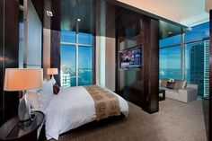 Great room deals for JW Marriott Marquis Miami Hotel. Marriott is defined by excellent service, and the JW Marriott Marquis Miami is no exception. Marriott Hotels, Hotels And Resorts, Downtown Miami, Hotel Amenities, Great Hotel, Hotel Deals, Master Bedroom, Luxury, Marquis