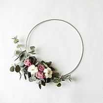 Floral hoop wreath modern wreath with roses minimalist wreath with dried flowers wall hanging wedding decor wreath scandi wreath Wedding Wall Decorations, Wedding Wreaths, Dried Flowers, Pink Flowers, Pink Roses, Drying Roses, Wooden Wreaths, Colorful Kitchen Decor, Fleurs Diy