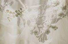 Detalhes do vestido da Renata Floret <3 Wedding Dress Atelier Carla Gaspar.
