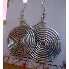 Pendientes de aluminio plateado con forma de espiral