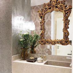 Já estava com saudades de postar #lavabo por aqui. Destaque para o espelho com moldura dourada sobreposto a outro espelho.  Inspiração via @decoreseuestilo {Amo! } www.homeidea.com.br Face: /homeidea  Pinterest: Home Idea #bloghomeidea #olioliteam #arquitetura #ambiente #archdecor #archdesign #projeto #homestyle #home #homedecor #pontodecor #homedesign #photooftheday #love #interiordesign #interiores  #cute #picoftheday #decoration #revestimento  #decoracao #architecture #archdaily…
