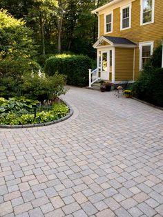 Most Popular Modern Driveway Paving Ideas and Layouts Driveway Paving Stones, Resin Driveway, Brick Driveway, Driveway Design, Driveway Landscaping, Brick Pavers, Stepping Stones, Front Driveway Ideas, Modern Driveway