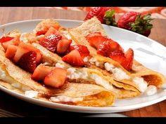 Crepas de queso con fresas. Estas crepas se pueden rellenar de lo que tu prefieras, ya sea dulce o saldo. Crepes, Cocina Natural, Queso, Waffles, French Toast, Menu, Cooking, Breakfast, Ethnic Recipes