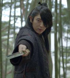 Lee Joon Ki Vs Kang Ha Neul: Who makes a sexier prince?